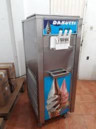 Máquina de sorvete/ produção 300 sorvetes horas, aceitamos cartão  e troca.