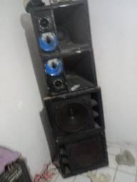Caixa de Som , com a mesa amplificadora para festas
