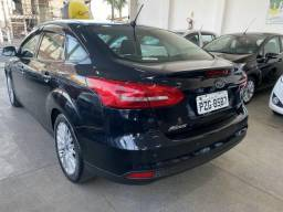 Ford Focus Sedan SE AT 2.0