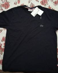 Vendo camisa Lacoste nunca usada