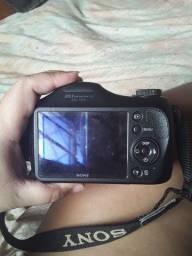 Vendo máquina fotográfica da sony cyber shot mt boa