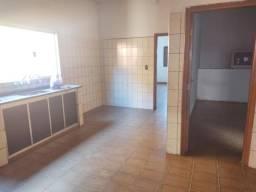 Casa com 2 dormitórios à venda,175.00m², Centro, SAO SEBASTIAO DO PARAISO - MG