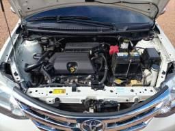Toyota Etios Platinum Sedan 1.5 Flex Manual 2015
