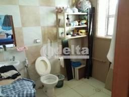 Casa à venda com 2 dormitórios em Jardim das palmeiras, Uberlandia cod:25845