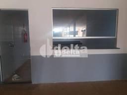 Casa para alugar, 38 m² por R$ 550,00 - São Bento - Uberlândia/MG