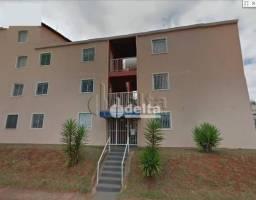 Apartamento com 2 dormitórios à venda, 50 m² por R$ 130.000,00 - Chácaras Tubalina - Uberl