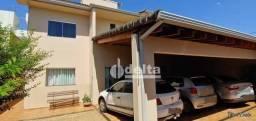 Casa com 3 dormitórios à venda, 216 m² por R$ 690.000,00 - Jardim América II - Uberlândia/