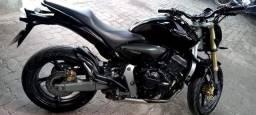 Título do anúncio: Vendo Moto Hornet