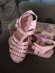 Sandálias novas estilo Melissa