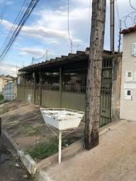 Casa+barracão no St Castelo Branco