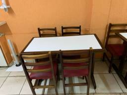 Título do anúncio: Mesas de 4 e 2 cadeiras