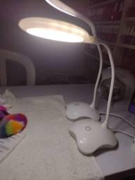 Luminária de mesa USB
