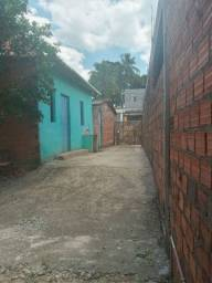 Título do anúncio: Vende-se 2 Casas Com Terreno.