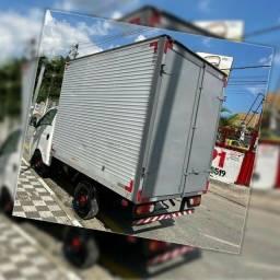 Título do anúncio: Frete e Mudança caminhão baú HR todos os setores de Goiânia e região