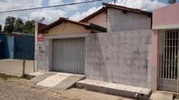 Casa no centro de Floriano-PI
