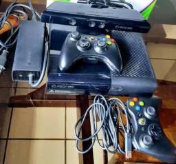 XBOX 360 Super Slim HD 250 GB com Kinect