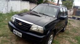 Vendo ou troco uma Tracker Chevrolet diesel ano 2001 - 2001