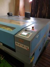 Maquina de corte a laser 1600x1000mm de área util