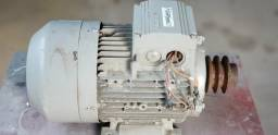 Motor trifásico Siemens 7,5cv