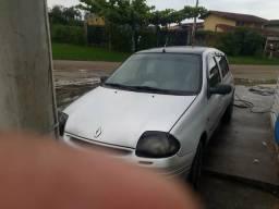 Clio 1.0 ano 2000 só R$ 5000 - 2000