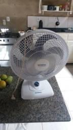 Vendo ventilador semi novo valor 80.00