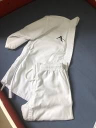 Vendo Kimono e acessórios Karate