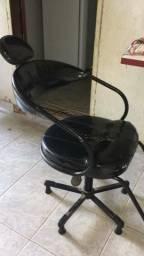 Cadeira de manicure e cabeleireira