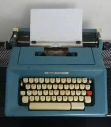 Antiguidade - Máquina de Datilografia Olivetti Studio 46