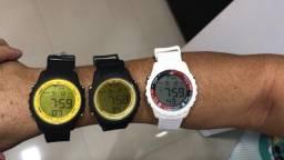 Vendo relógio 18 k Ronaldinho por 100,00