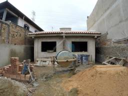 Excelente casa com possibilidade de parcelar entrada em período de obras, com entrega prev