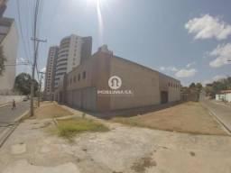 Prédio para aluguel, 8 quartos, ILHOTAS - Teresina/PI