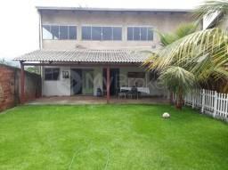 Casa sobrado com 4 quartos - Bairro Parque das Flores em Goiânia