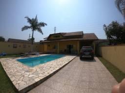 Casa com Piscina - Itapoá