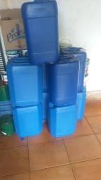 Título do anúncio: Galões plastico 25 litros para reutilizar