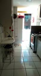 Vendo Apartamento no Condominio Colinas do Poty na Av. Duque de Caxias