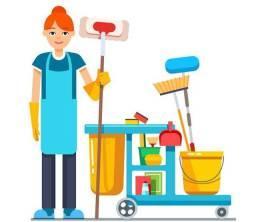Título do anúncio: Precisa- se de Auxiliar de Limpeza Com Experiência - Apenas Mulheres - Acima de 35 anos -