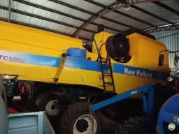 Título do anúncio: Colheitadeira New Holland TC5090 completa. Parcelo!