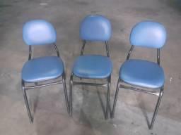 Título do anúncio: 3 cadeiras semi novas