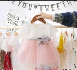 Título do anúncio: Lindo vestido para bebês