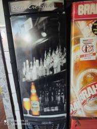Cervejeira preta R$1.800,00