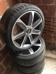 Vendo rodas aro 17 com 4 pneus bons