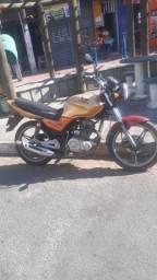 Título do anúncio: Vendo essa moto 2500