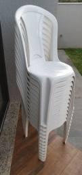 Título do anúncio: Cadeira Bistrô Tramontina Torres Plus em Polipropileno Branco