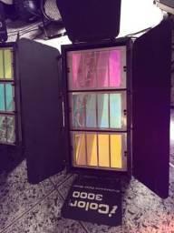 Quatro refletores Acme Icolor 3000 iluminação arquitetural