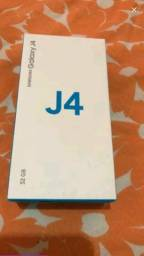 J4 um mes comprado 32 gb