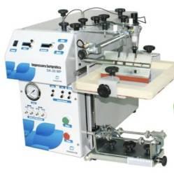 Máquina serigráfica pneumática para imprimir em canecas