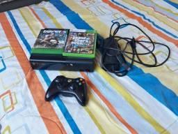 Xbox 360 + 2 Jogos + 1 Controle