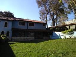 Sobrado em Mairiporã , com 2 quartos , 2 banheiros , 2 cozinhas ,lareira e churrasqueira