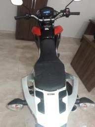 Moto Broz 160 - 2015