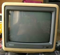 Vendo tv antiga bem conservada